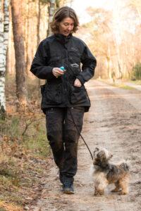 Hond in Huis clickertraining puppycursus gehoorzaamheidraining Almelo Wierden Enter Geesteren Borne Bornerbroek Zenderen Puberteit hond vuurwerktraining EHBO hond Hond en kind